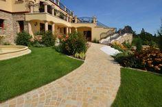 Beispiel: ein Haus im Burgenland Style At Home, Küchen Design, Mansions, House Styles, Home Decor, Artificial Stone, Natural Stones, Kitchen Contemporary, Cottage Chic