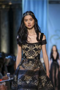 Estelle Chen at Elie Saab Fall 2017 Couture Live Fashion, Fashion Show, Elie Saab Fall, Elie Saab Couture, Ellie Saab, Black Sparkle, Asia Girl, Beautiful Outfits, Beautiful Clothes
