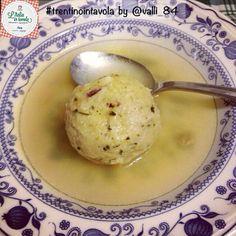 Che ne dite degli ottimi #Canederli del #Trentino per cena? #italiaintavola #trentinointavola #italianfood #italy #italia