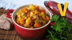 This recipe is about making a luscious low-fat vegetable curry. In this episode you will learn how to prepare this spicy and healthy dish in literally minute...