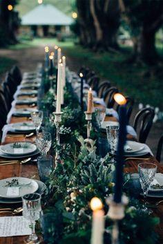 tavola matrimonio dark e rustico