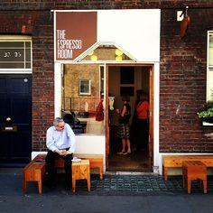 Coffee Shop in London 31-35 Great Ormond St.