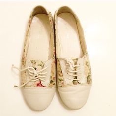 Flower creamy shoes Super chic and pretty Shoes