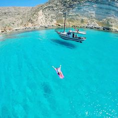Lampedusa, Sicilia - Italy ✨✨ Picture by ✨✨@loucosporviagem✨✨ Happy Sunday all