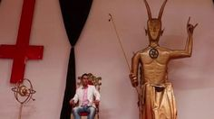 si quieres hacer un pacto con el diablo.TIENES QUE VER ESTE VIDEO. asien... Statue, Youtube, The Witcher, Devil, Pastor, Asia, Youtubers, Sculptures, Youtube Movies