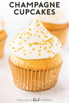 Tail Cupcakes Champagne