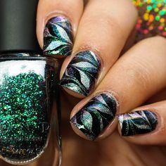 @ilnpbrand Supernova Watermarble is @ilnpbrand Mega(s), Finger Paints Black Expressionism, and @opi_products Nail Envy