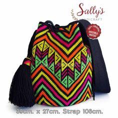 "37 Beğenme, 3 Yorum - Instagram'da กระเป๋าวายูแท้100% Wayúu bag (@sallyshandicraft): ""✔พร้อมส่ง ใบขนาดLมารตฐาน มีป้ายเซอร์การันตีงานแท้ทอโดยวายู ไหมเส้นเดียวมีเบลดีไซน์ สายทอเส้นเล็ก…"" Tapestry Bag, Tapestry Crochet, Knit Crochet, Tapestry Design, Poufs, Drawstring Backpack, Design Inspiration, Purses, Knitting"