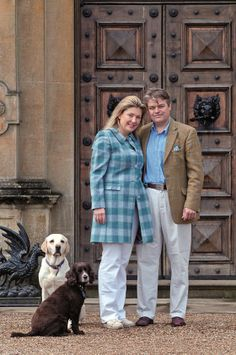 The REAL Downton Abbey residents:  The Earl and Countess of Carnarvon with just some of their dogs!
