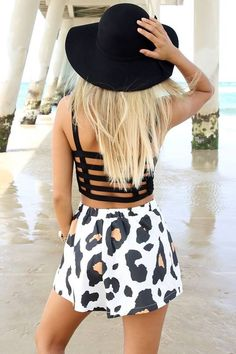Vacation or beach outfit. Love it