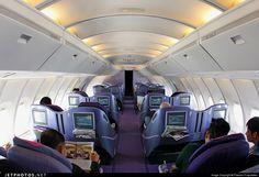 Thai Airways International Boeing 747-4D7 business class cabin, upper deck