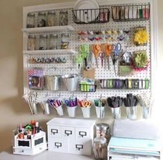 Pegboard Craft Room organization Idea 28 How to Make A Giant Peg Board for Craft organization 5 Craft Room Storage, Sewing Room Organization, Easy Storage, Organizing Ideas, Pegboard Organization, Craft Storage Ideas For Small Spaces, Craft Room Ideas On A Budget, Organizing Clutter, Sewing Room Storage