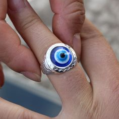R020男性ジュエリー指リングヴィンテージ大きな青い目リングパンクファッションジュエリーレトロ宮殿ビジューと操作anillos女性新しい到着