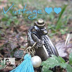 Estilo Vintage 😍💟💟💟💕💕🌸🌸 #ccesoriosdemoda #vintage #bohostyle #bohochic #hippiechic #hippiestyle #relojdebolsillo #relojes #modavintage Hippie Chic, Hippie Style, Boho Chic, Videos, Boho Fashion, Photo And Video, Instagram, Pocket Watch, Vintage Style