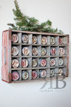 Farmhouse Friday – Repurposed Christmas Decor DIY Turn an Old soda crate and canning jar lids into a Fun Vintage Farmhouse Advent calendar ! 25 Days Of Christmas, Noel Christmas, Primitive Christmas, Christmas Countdown, Country Christmas, Christmas Projects, Winter Christmas, Holiday Crafts, Vintage Christmas