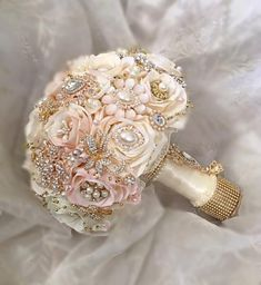 Custom Blush Pink and Ivory Rose Gold Brooch Bouquet $520 Full Price FULL PRICE $520, DEPOSIT = $320.00, BALANCE Due ($200) @ Completion This Bouquet is made
