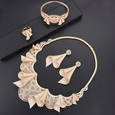 Luxury Indian bridal jewelry sets Cubic Zirconia dubai jewelry sets for women Necklace Earrings fashion jewelry Ring Bracelet