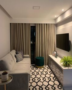Living Room Design Small Spaces, Small Living Rooms, Condo Interior Design, Home Room Design, Living Room Designs, Classy Living Room, Decor Home Living Room, Small Living Room Layout, Apartment Decor