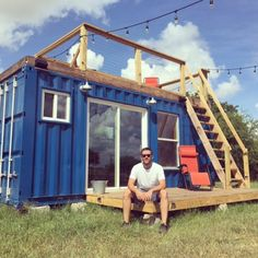 rustic-retreat-shipping-container-tiny-house-010 I like the deck on top!