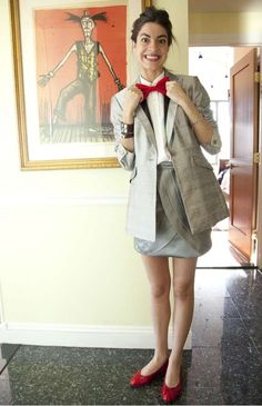 Leandra Medine. Yes, the world needs more bow ties! Also: great way to wear a long jacket.