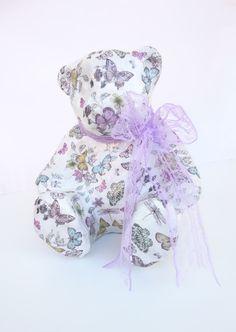 So cute... Ένας Αρκούδος... Αξιαγάπητος ♥♥♥ και Μοναδικός ! #JustOnePiece Έχει γίνει κολάζ με πεταλούδες σε διάφορα χρώματα και μεγέθη, λουλούδια και λιβελούλες! Έχουν χρησιμοποιηθεί κόλλα και βερνίκι νερού, άοσμα και μη τοξικά !Η Διάσταση του είναι 18.5 cm x 15.5 cm και το Ύψος του 21 cm Ιδανικό για να διακοσμήσει βρεφικό και παιδικό δώματιο. Συνδιάζεται με την Κορνίζα και το Κερί...♥ #WeLoveDetails #JustOnePiece #WeLoveDecor #Handmade #ThePinkFeather Dinosaur Stuffed Animal, Toys, Children, Girls, Animals, Activity Toys, Young Children, Toddler Girls, Boys