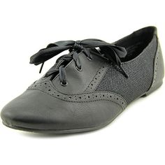 Sarah Jayne Jazz Women Oxford Shoes ($14) ❤ liked on Polyvore featuring shoes, oxfords, black, faux leather shoes, black oxfords, vegan leather shoes, grip shoes and traction shoes