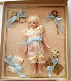 "UFDC 2005 Cathy Hansen 5"" Nanette French Confections Doll Presentation Box   eBay"