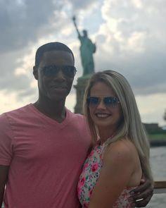 Διαφυλετικός ζευγάρι σε απευθείας σύνδεση dating