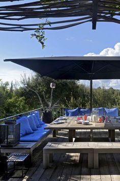 Une terrasse grand format en total look bois