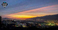 Te presentamos la selección del día: <<ATARDECERES>> en Caracas Entre Calles. ============================  F E L I C I D A D E S  >> @renneamt << Visita su galeria ============================ SELECCIÓN @marianaj19 TAG #CCS_EntreCalles ================ Team: @ginamoca @huguito @luisrhostos @mahenriquezm @teresitacc @marianaj19 @floriannabd ================ #atardecer #1atardecervenezolano #Caracas #Venezuela #Increibleccs #Instavenezuela #Gf_Venezuela #GaleriaVzla #Ig_GranCaracas…