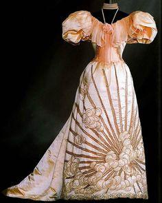 Evening dress, by the House of Worth, ca. 1894 - Art de la Mode