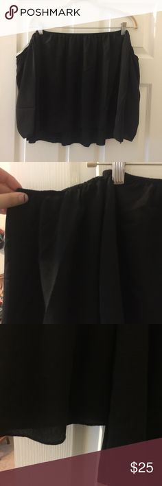 """SALE: NWOT Adorable strapless top Strapless top with sleeve that are off the shoulder as well. Fits more like a L/XL but has plenty of stretch. A little see through if the sun it it but perfect for spring and summer. This hits at the top of my hips and I'm 5'7"""". It's a bit shorter or cropped but not completely. Listed as XL even though the tag says XXL. Brand new, only tried on. Stock photo is not my own but shows how the shirt fits. Purchased from a local boutique. Tops Blouses"""