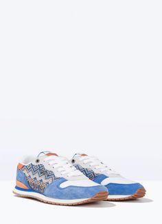 Chaussures de sport imprimées. Lacets, doublure et semelles intérieures en maille. Détail Pepe Jeans London sur la languette. Semelles en caoutchouc. | Pepe Jeans