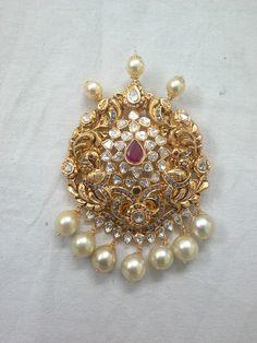 Gold Earrings Designs, Gold Jewellery Design, Necklace Designs, Gold Jewelry, Jewelery, Amit Shah, India Jewelry, Hairpin, Saris