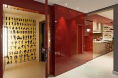 Pitadas gastronômicas no décor. Veja: http://www.casadevalentina.com.br/projetos/detalhes/pitadas-gastronomicas-663 #decor #decoracao #interior #design #casa #home #house #idea #ideia #detalhes #details #style #estilo #casadevalentina #red #vermelho