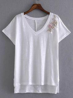 White V Neck Embroidered T-shirt -SheIn(Sheinside)