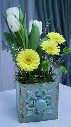 Flowers in vintage vase Vintage Vases, Flower Arrangements, Planter Pots, Bring It On, Concept, Flowers, Floral Arrangements, Royal Icing Flowers, Flower