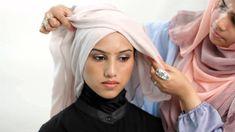 Style: How to wear Hijab for work thehijabstylist – how to achieve the criss . Style: How to wear Hijab for work thehijabstylist – how to achieve the criss cross look (hijab t Bridal Hijab, Hijab Wedding Dresses, Hijab Bride, Turban Hijab, Hijab Dress, Hijab Outfit, Hijab Style Tutorial, Turban Tutorial, How To Wear Hijab