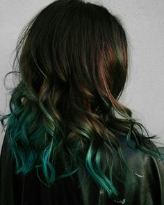 In love with this splash of color  Products used: NeuVolume conditioner NeuVolume shampoo Blow dry lotion NeuStyling texturizer . . . #texas #sanantonio #neuma #neon #veganhaircare #texasvegan #color #haircare #blue #bluehair #crueltyfree #ombre #fall #fashion #falltrends #vegan #organic #green #eco #ecofriendly #natural #recycled #sustainable #plantbased #texasvegan #satx #redhair #red #haircolor #hair #beauty