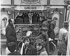 1970's. Street organ on a street in Amsterdam. Photo Dolf Toussaint. #amsterdam #1970
