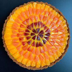 lokokitchen cara cara blood orange and paige tangerine grapefruit curd Grapefruit Curd, Pies Art, Eat This, Cheat Meal, Buzzfeed Food, Vietnamese Recipes, Dim Sum, Food 52, Fitness Diet