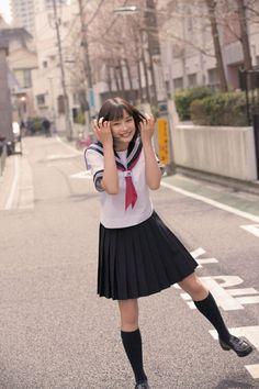the most beautifl thing is a not naked girl, isn't it? School Uniform Skirts, School Uniform Fashion, School Uniforms, Cute Asian Girls, Cute Girls, Japan Fashion, Girl Fashion, Japanese School Uniform, Tokyo Street Style