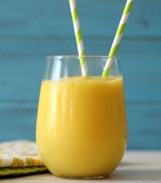 Mango, Pineapple and Aloe Smoothie - a light, fruity, healthy drink made with mango, pineapple and aloe Vera juice.