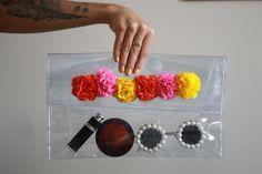 DIY Pochette transparente avec fleurs Diy Pochette, Diy Projects To Try, Recherche Google, Cool Kids, Couture, Sewing, Business, Blog, Accessories