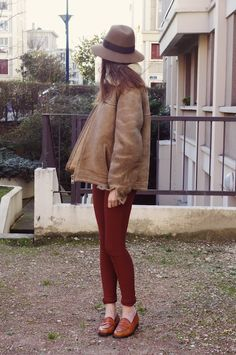 red pants + brown shoes