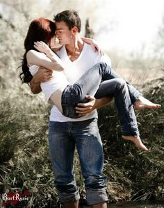 Carrying the girl. Prom picture ideas. (Obviously not with the whole hand on the butt going on. Lol.)