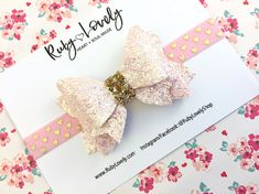 Pink and Gold Bow Pink Valentine's Bow Pink Headband Felt Headband, Pink Headbands, Elastic Headbands, Handmade Hair Bows, Diy Hair Bows, Handmade Crafts, Hair Bow Tutorial, Baby Hair Clips, Making Hair Bows