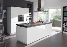 Witte keuken met kookeiland - Sorrento Plus van Superkeukens
