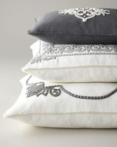 (via Pinterest)...beautiful pillows...