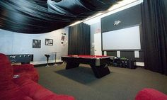 really........now thats an entertainment room!!!!!!!!!!!!!!!!!!!!!!!!